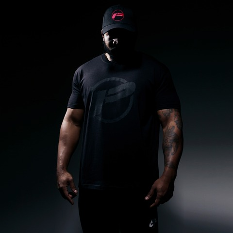 Black on Black Destroyed Logo Shirt von Pusher Apparel - T-Shirt jetzt im Pusher Apparel Shop